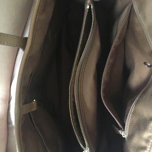 Coach hand/ shoulder bag